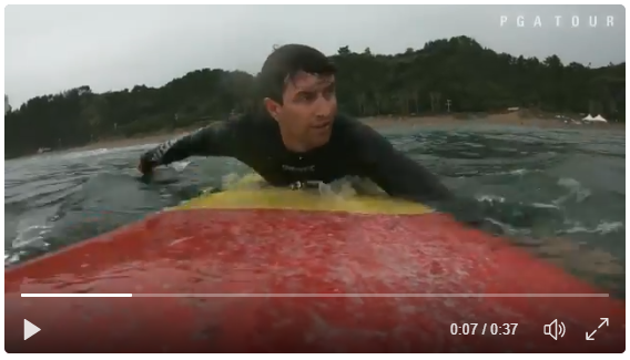 [Video] Former world number one golfer Adam Scott enjoy surfing at Jungmun Beach