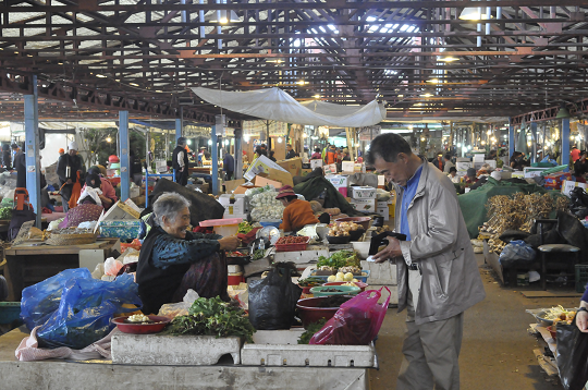 Jeju's traditional markets to receive big investment